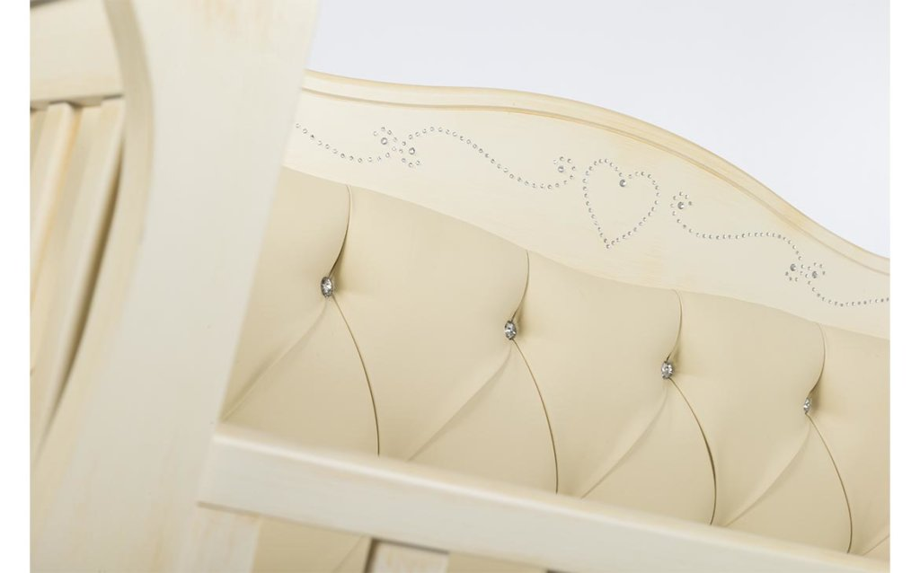 carlotta-particolare-cuore-bianco